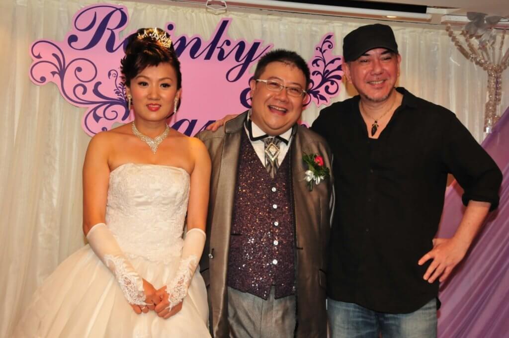 劉錫賢一三年娶內地女友擺酒,演藝學院同學黃秋生出席婚宴。