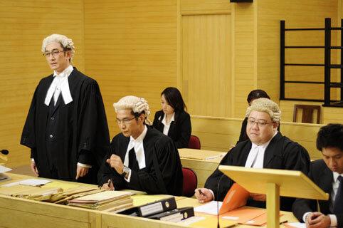 劉錫賢與陳啟泰主持過《百萬富翁》,也曾拍過劇集《法網群英》。