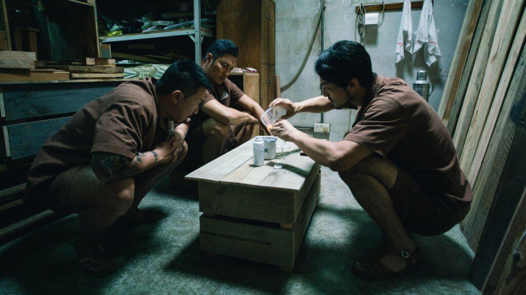 譚耀文在戲中飾演入獄二十年的社團頭目,與張繼聰和栢天男有不少對手戲。