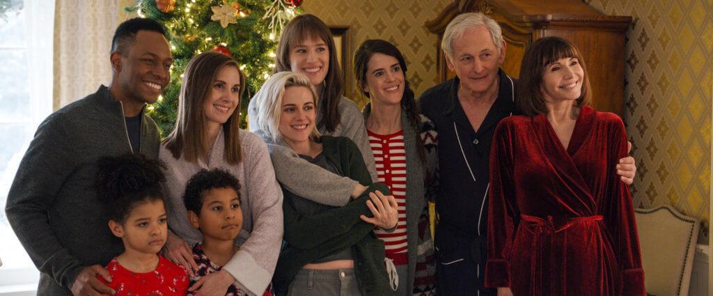 姬絲汀與麥肯絲(中)主演的《攣愛季節》,是一部關於學習坦誠與接納、笑到肚攣兼令雙眼失禁的聖誕愛情溫情電影。