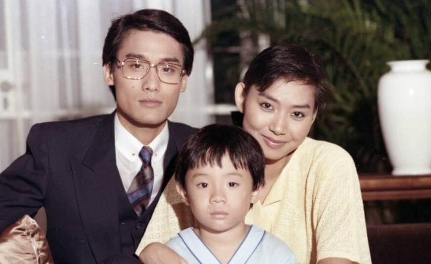 八五年港台劇《香江歲月》中,張繼聰演鄺美雲、梁家輝的兒子。