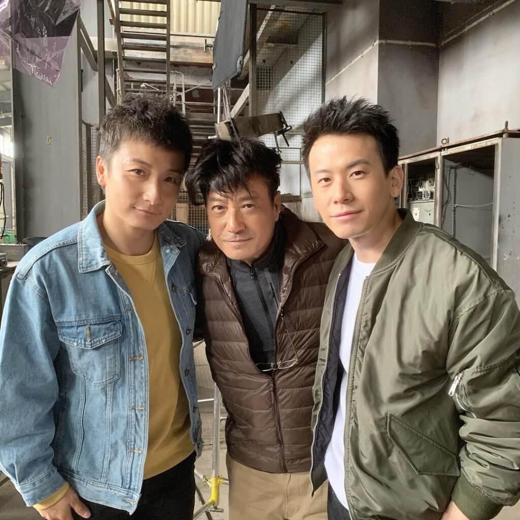 陳宇琛與方力申曾在劇集《甜孫爺爺》合作,方力申與石修經常被指有父子相,前年三人因為拍廣告終於同框。