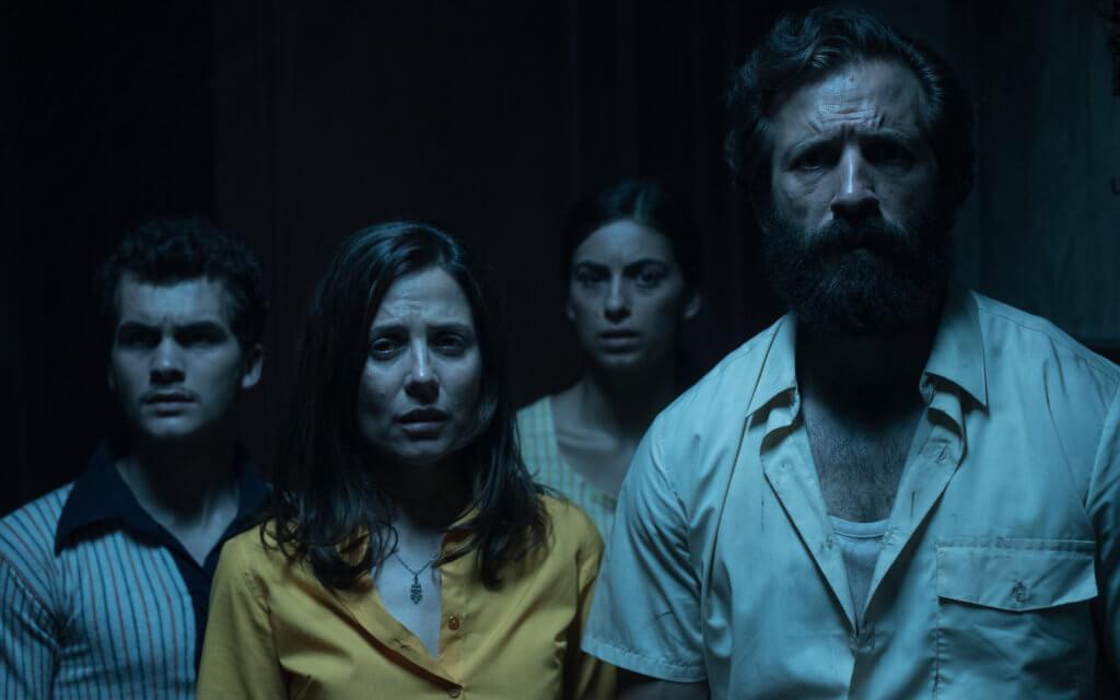 西班牙恐怖片《凶屋32》描寫一家貧苦樓奴遇上連場噩夢
