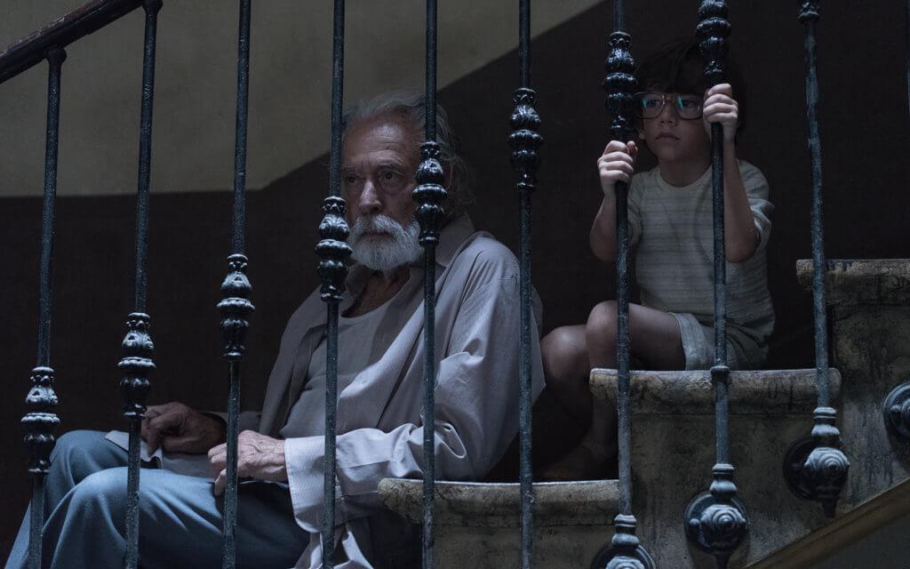 片中兩爺孫遇上連場怪事,嚇親成家人。