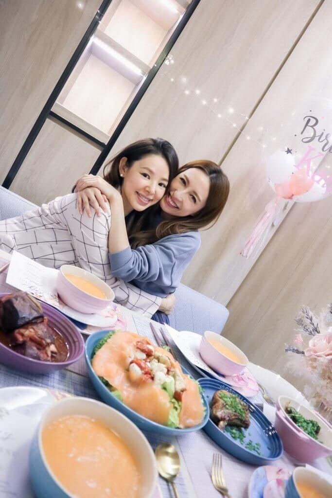龔嘉欣這星期生日,在家中舉行生日派對,跟好姊妹陳凱琳及譚凱琪吃飯慶祝。