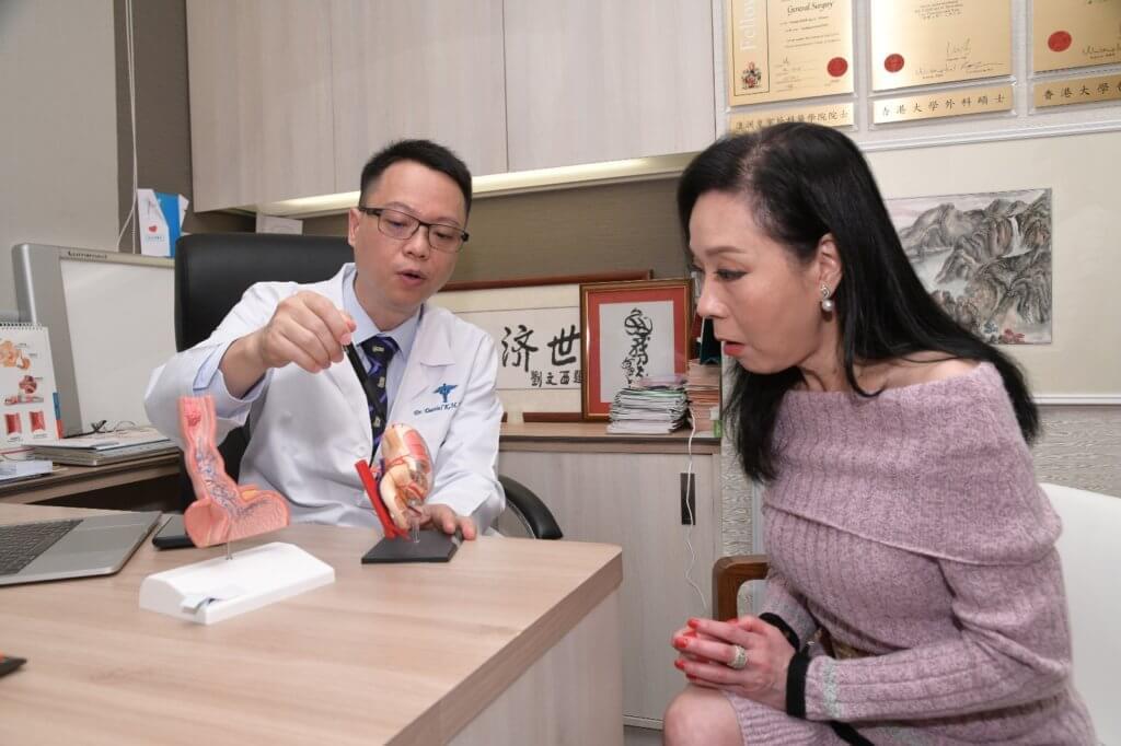 唐醫生指臨睡前三小時,避免進食可減輕消化系統的負擔。