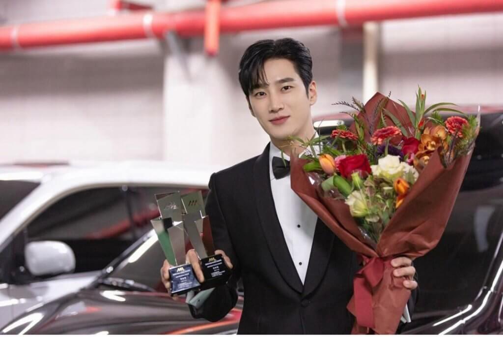 安普賢在上月底舉行的《2020 Asia Artist Awards》 中獲Best Choice 獎項。