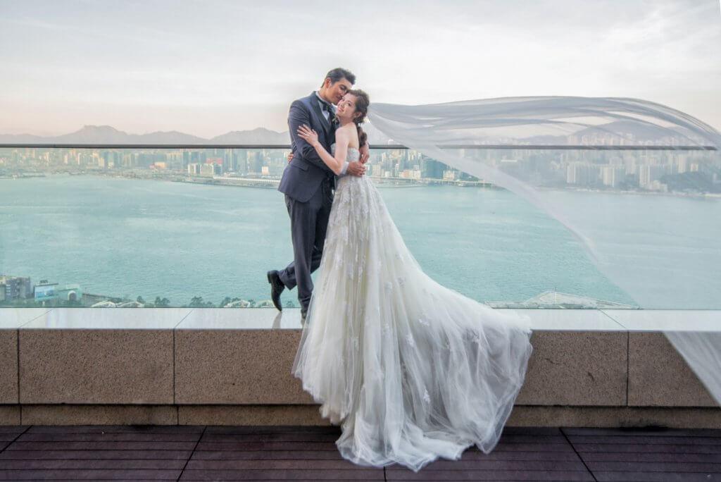 一個月前,張潔蓮主動問袁文傑何時「完事」?速成了今次的婚禮。