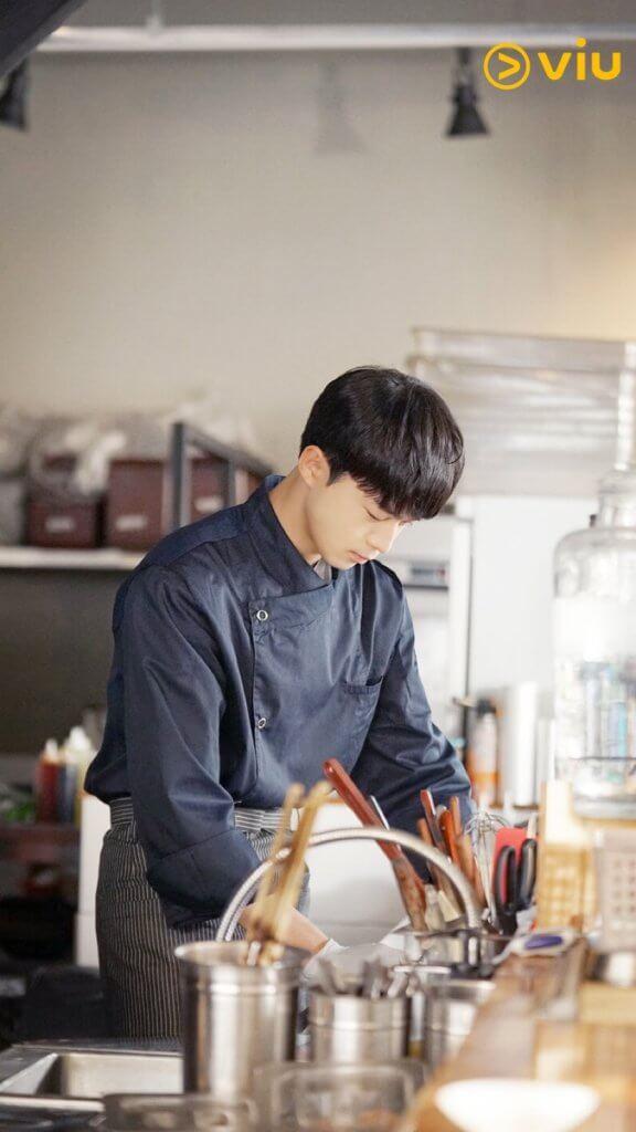 金江珉在劇中是一名廚師,所以有許多下廚的鏡頭。