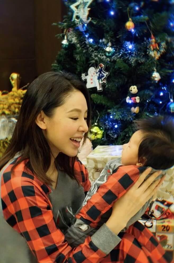 譚凱琪與女兒Gabri