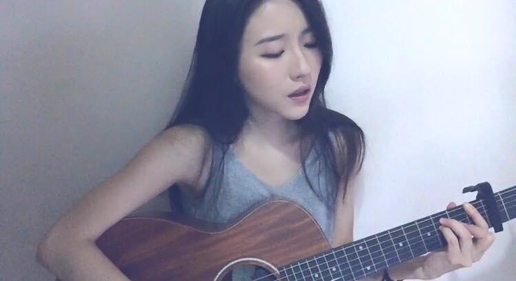 菊梓喬未做主流歌手、主唱眾多無綫劇集歌曲前,有一段時間做過網絡歌手。