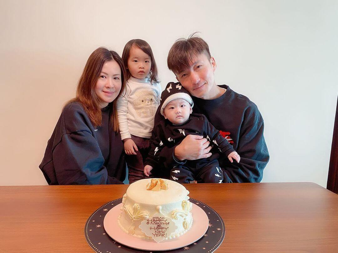 陳山聰與老婆Apple為兒子陳霆軒慶祝半歲生日,Jaco的表姊芯芯也有參與。