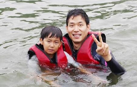 劉俊相不常公開兒子照片,這張親子照攝於九年前。