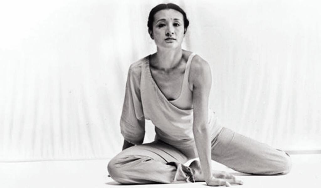 林青霞眼中的江青:「她的說話都像是分好鏡頭一樣,都是文章,都是畫面……她跟我談話似乎毫不設防,但她也曾選擇沉默,吞下了半個世紀的委屈和苦水。」