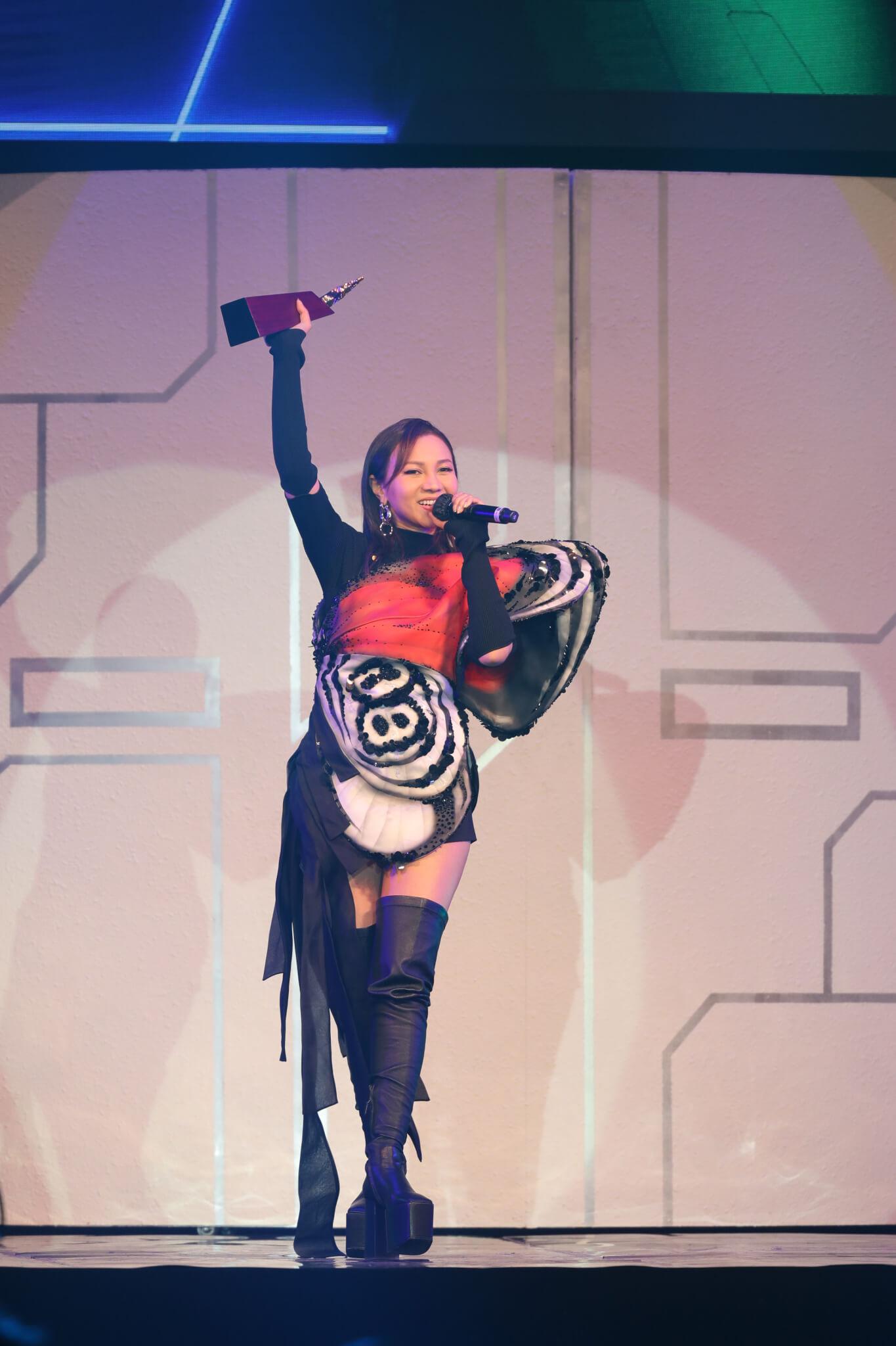 叱咤樂壇女歌手金獎:AGA