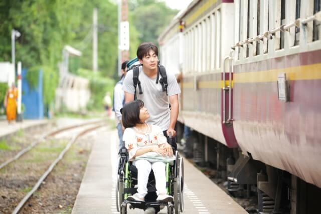 由零演戲經驗的殘障少女佳山明主演的《缺氧37秒》,編導演等各方面均出色。