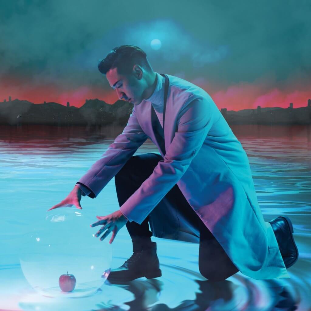 馮允謙推出新碟《Awaken》,當中有親情也有科幻的元素。