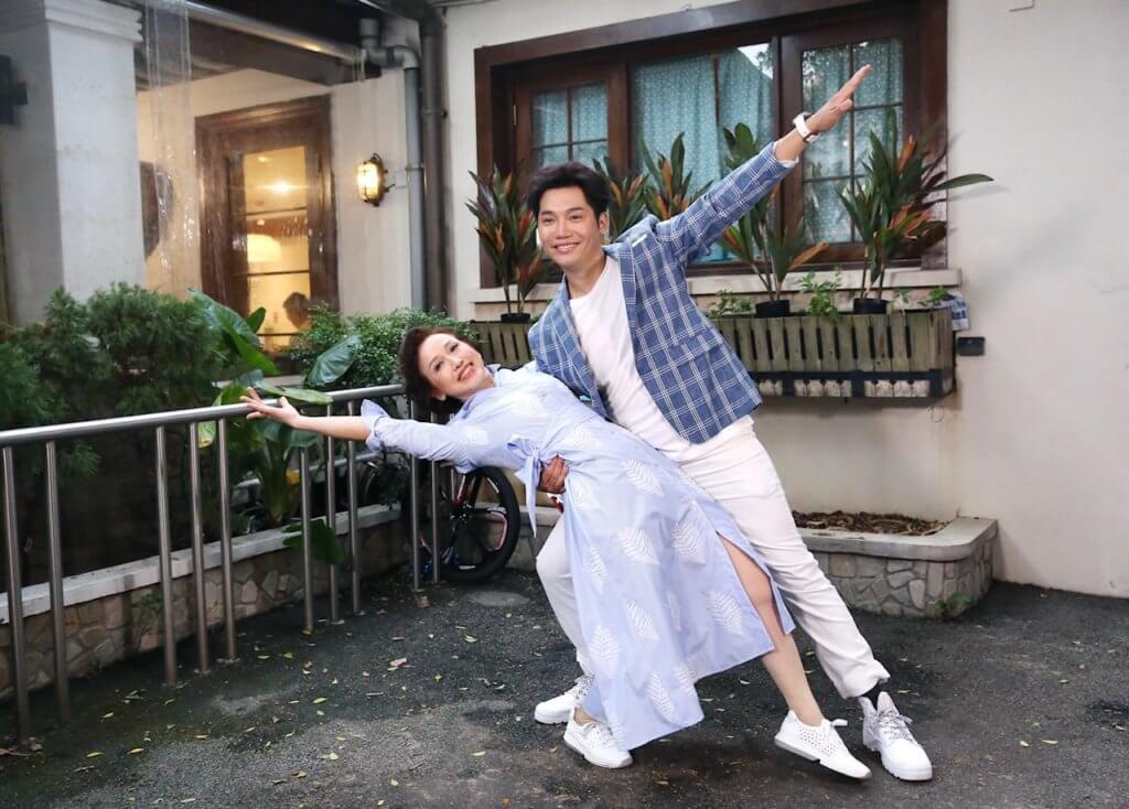 黃建東邀請做舞蹈老師的媽媽一起演出職安健「平安郁」廣告
