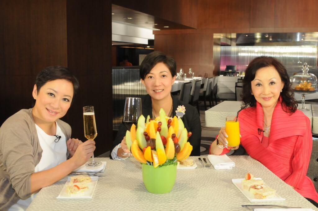 吳綺莉一一年從上海回來香港,復出幕前,為無綫主持節目《女人有話兒》。