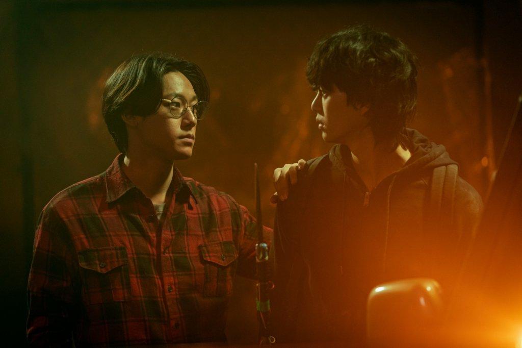 劇中宋江與李到晛攜手抵抗怪物,而宋江飾演的毒男也不幸受感染。