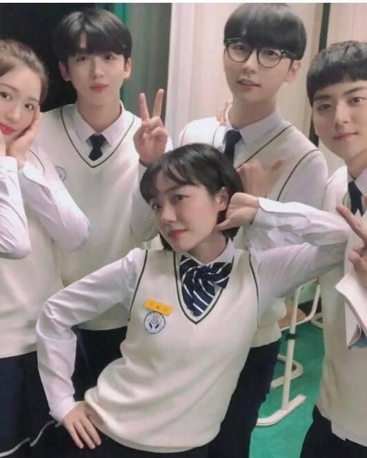 蘇珠妍最近在《愛在大都會》演出亮眼,今次演學生,跟同劇的年輕演員感情要好。