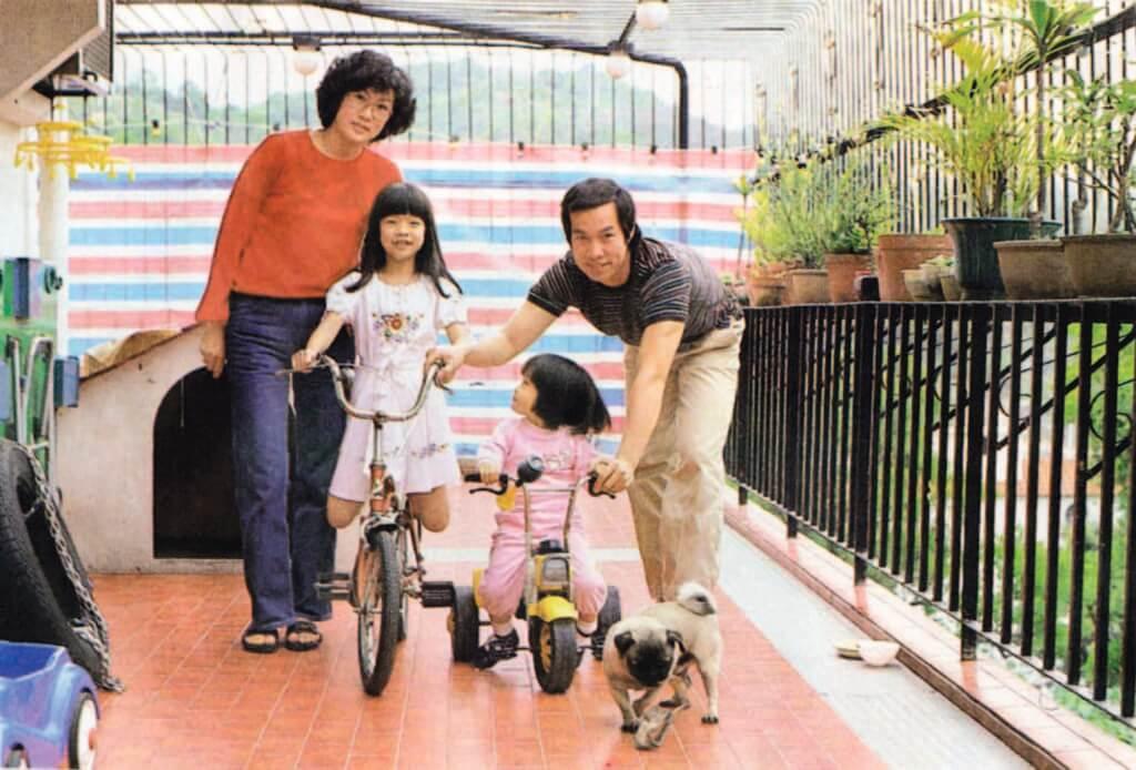 白彪在七十年代結婚,太太曾是幼稚園教師,對管教子女亦有心得。