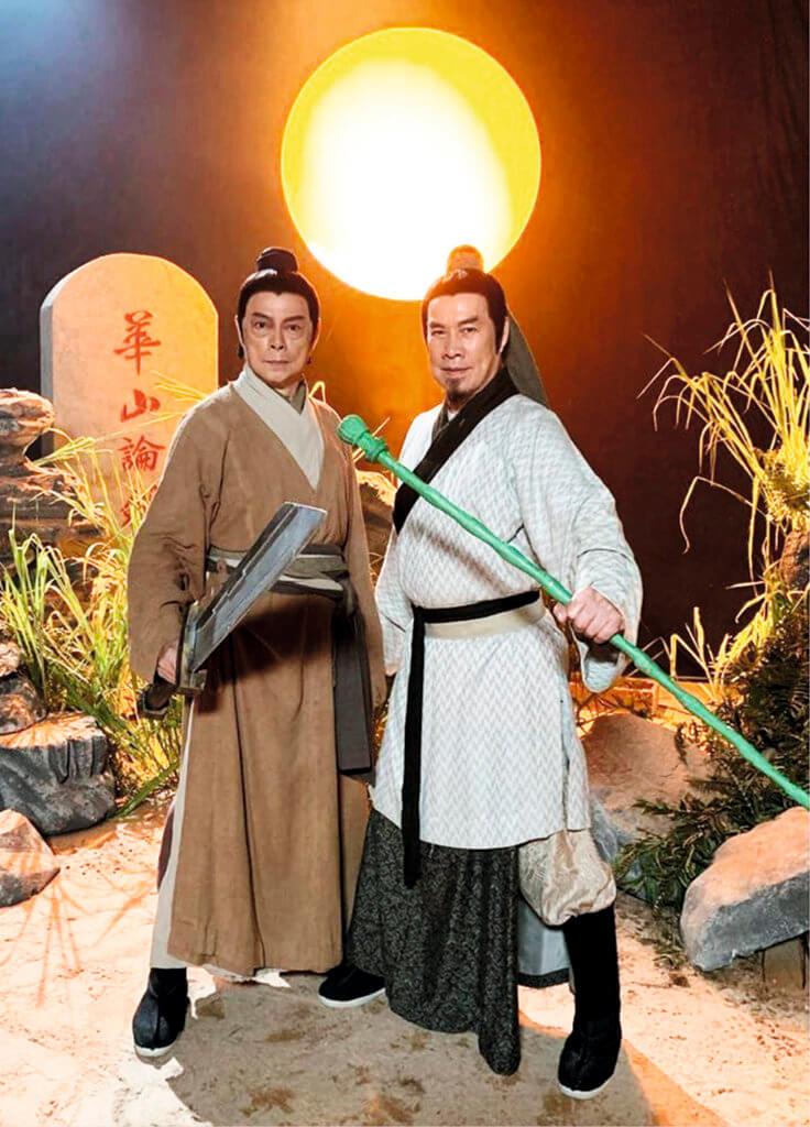 白彪飾演的雷公與羅樂林飾演的大龍生在《愛‧回家之開心速遞》,重現第一代郭靖與楊過的經典場面。