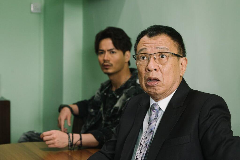許紹雄在劇集《陀槍師姐2021》中飾演警隊高層,羅子溢是其臥底警員。