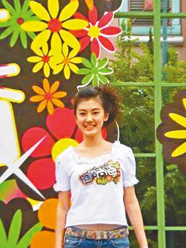 蔣家旻初出道拍港台劇《過渡青春》的造型