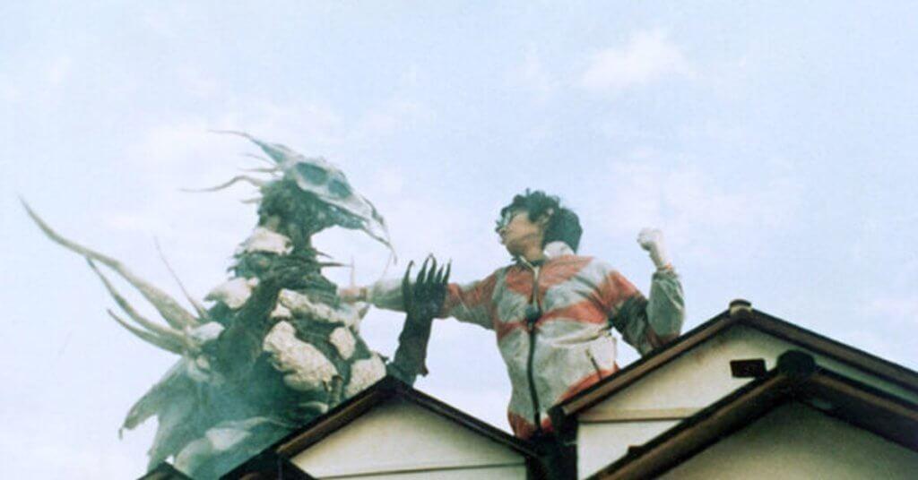 庵野秀明在大學時代曾拍兼主演《超人》短片,造型爆笑,效果震撼。