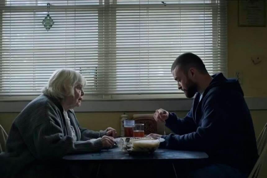片中Justin出獄後,獲得年老慈祥的祖母幫助。
