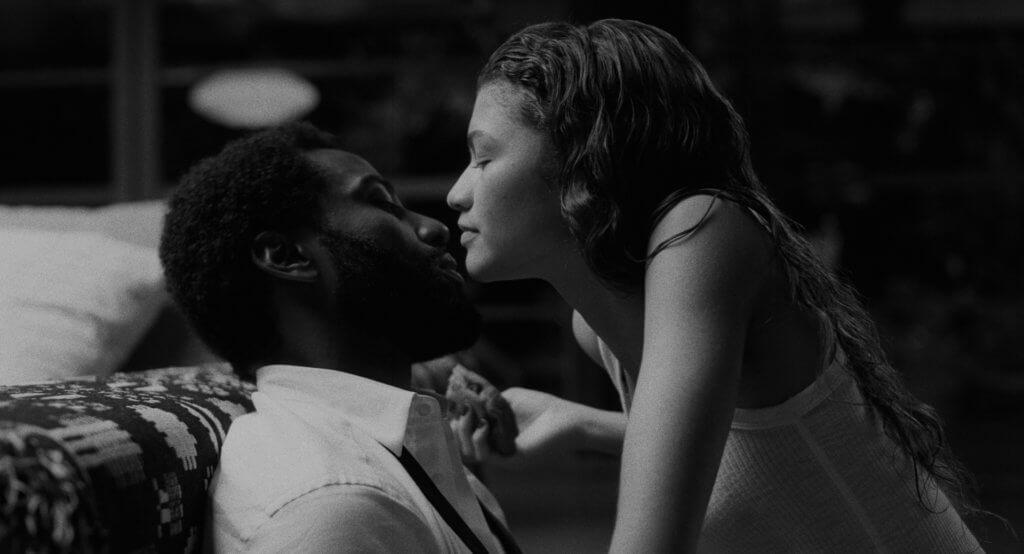 片中這對情侶的對話,產生令觀眾意想不到的劇情。