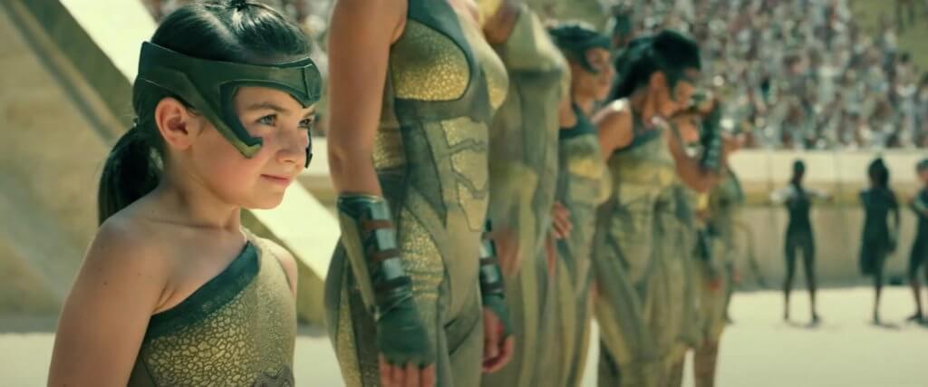今集開場有神奇女俠小時候所參與的「亞馬遜運動會」,精采刺激。