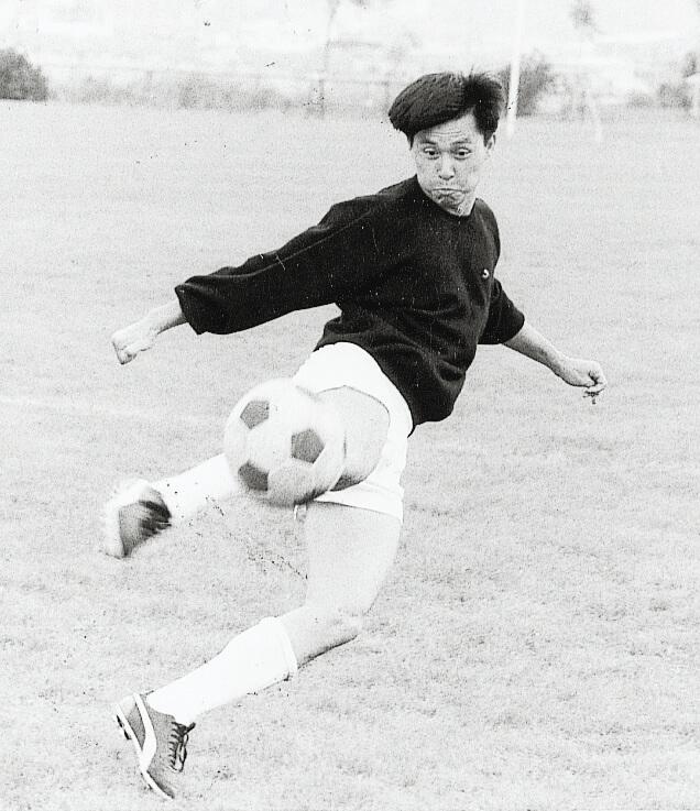 張國強做足球員出身,演運動型角色沒有難度。