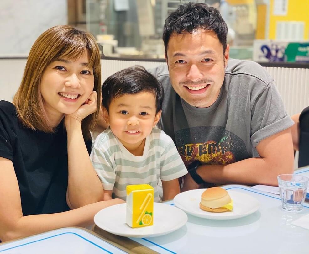 張達倫和太太Kimmy、兒子碩碩,家庭生活幸福美滿。