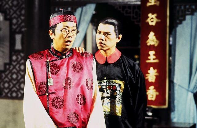 阿旦在《金牙大狀》中飾演口才了得的狀師戴亞斗,與飾演清官倪鐵樑的林嘉華有不少對手戲。