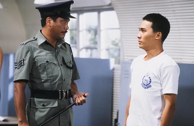 他與梁朝偉拍攝的劇集《新紮師兄》,飾演冷酷教官。
