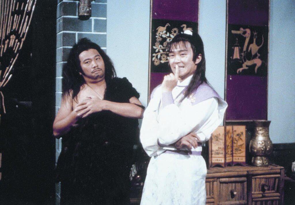 達哥與周星馳被稱為黃金組合,他們的無厘頭文化潤飾了劇集,八九年播出的《蓋世豪俠》也深受觀眾歡迎。
