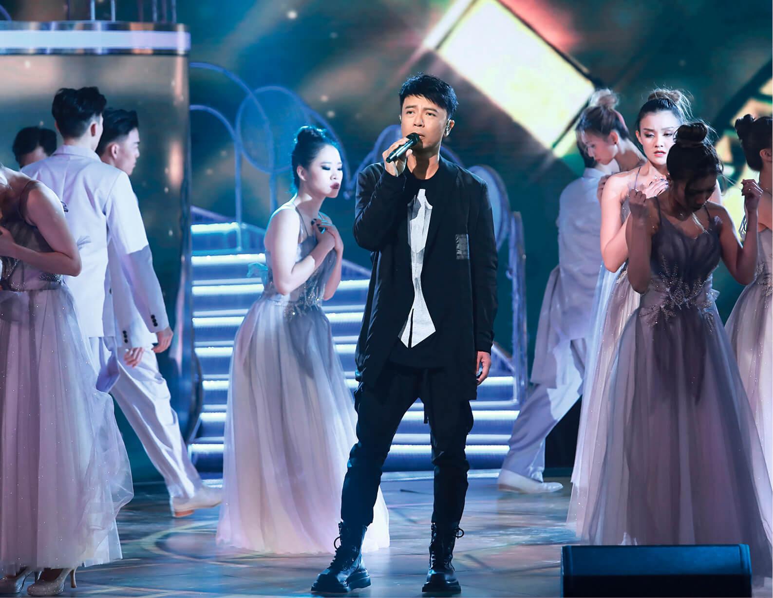 《聲夢》除了由歌手和音樂人組成的二十五位評審團外,亦有李克勤等一線歌手參與。