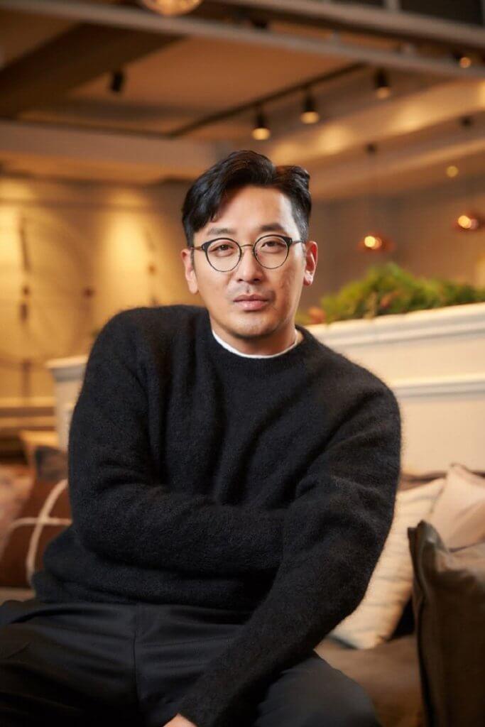 河正宇自學繪畫多年,今次已是他舉行的第十次個人畫展。