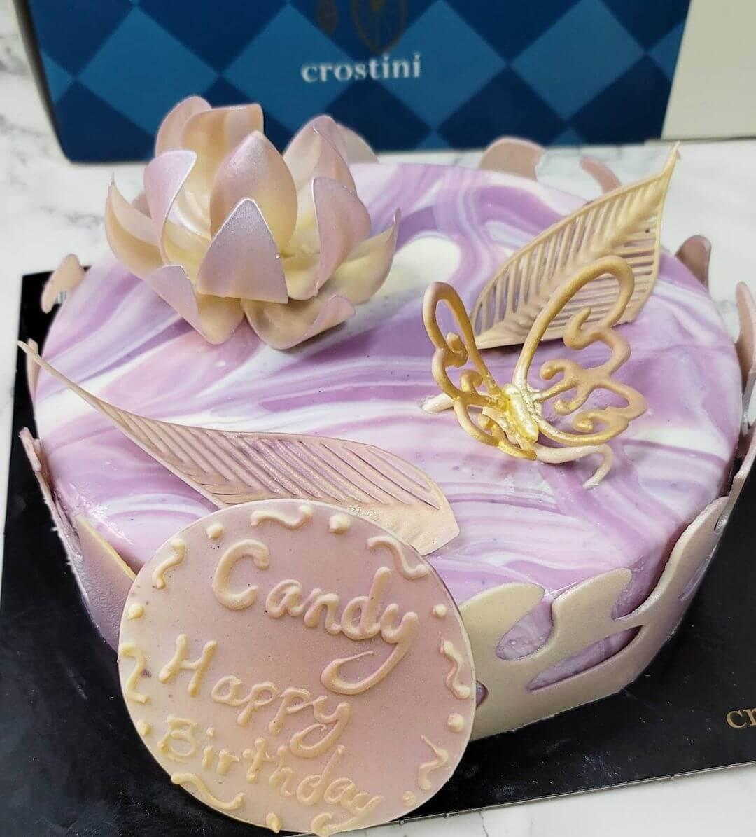 文雪兒獲長女限筠送上蛋糕與鮮花