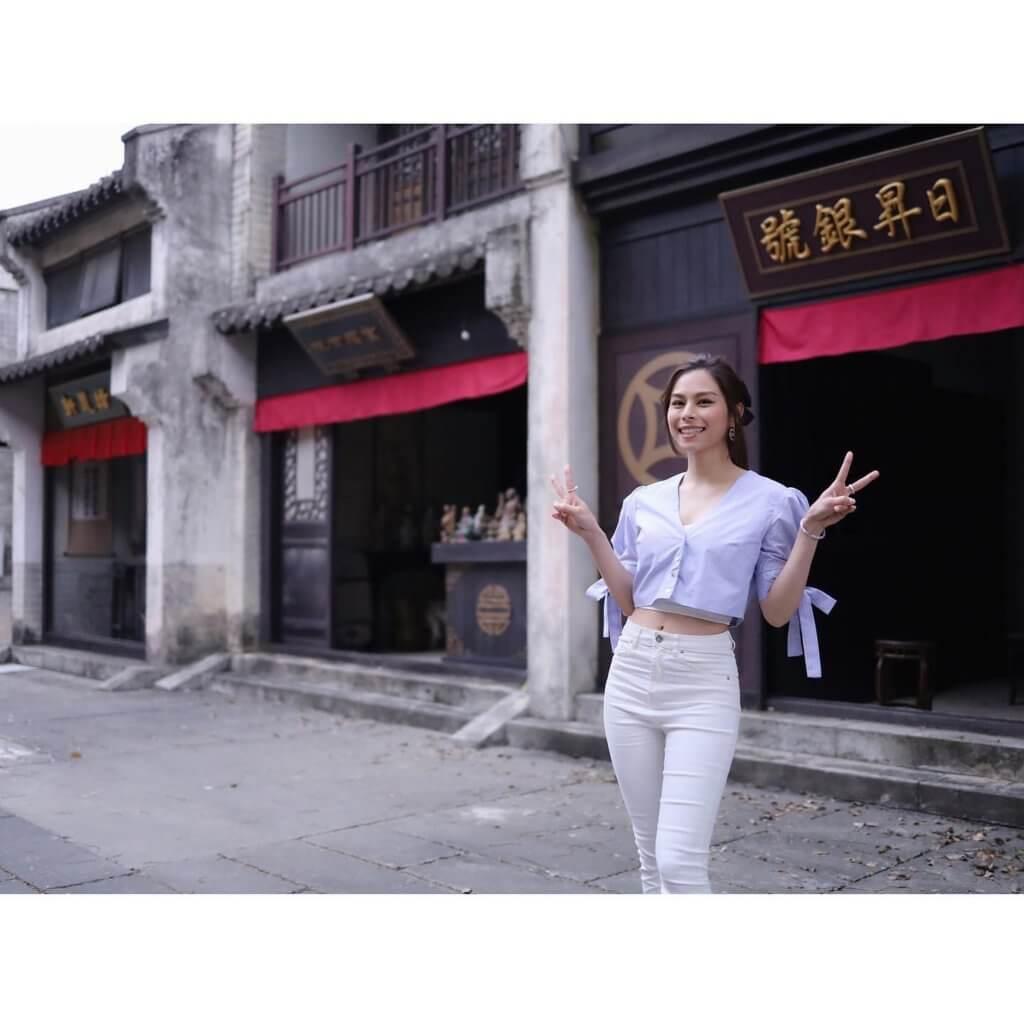 .Gin Lee出席「破冰」記者會後,便首次踏入古裝街拍攝《你又估我唔到》。