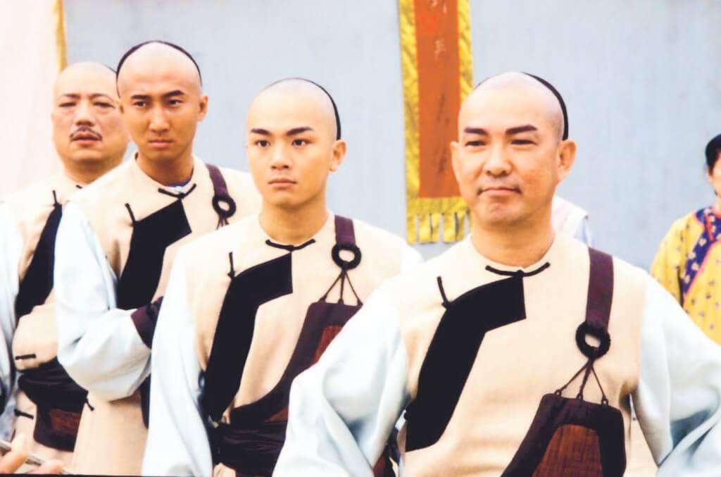 胡諾言剛加入TVB時,與元彪、洪天明等拍武打劇《佛山贊師父》。