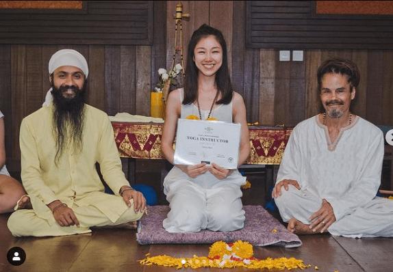去年她赴峇里一個月考獲瑜伽導師牌,洗滌心靈。