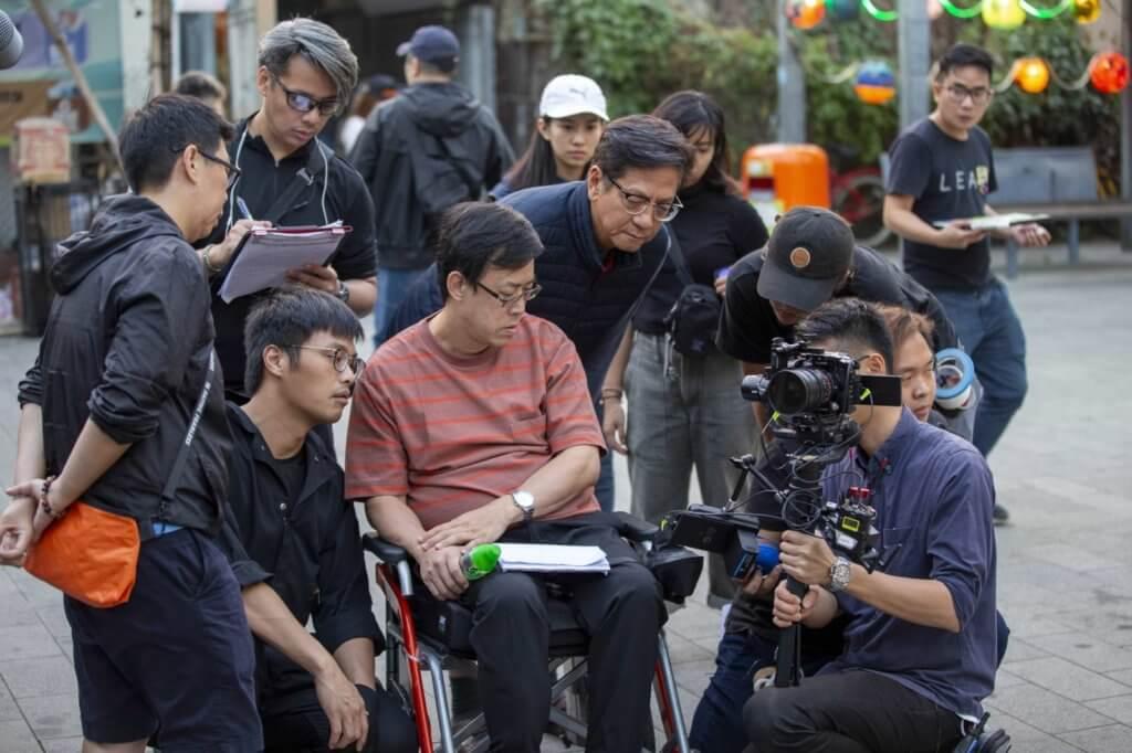 導演王炳雄大讚陳友為角色添加了不同身體語言,演得更細緻。