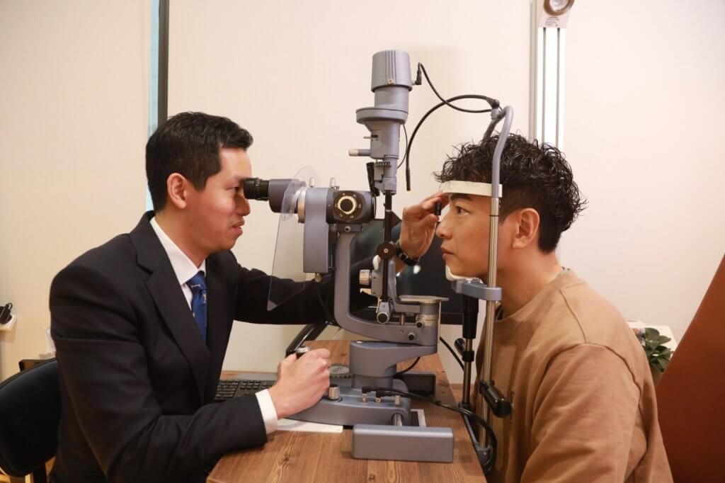 劉承樂醫生認為定期檢查眼睛,有問題能及時察覺。
