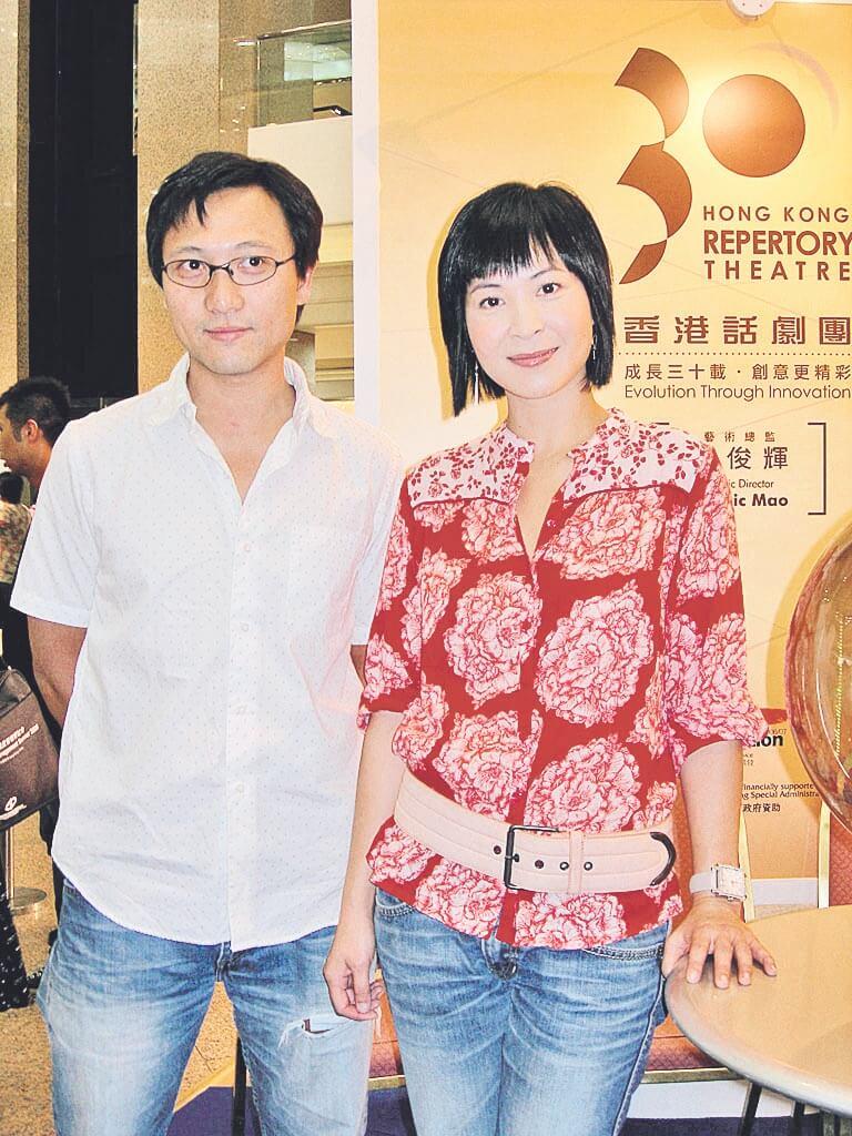 潘燦良和蘇玉華是演藝學院同學,又做過劇團同事,後來拍電影《人間有情》時開始拍拖。