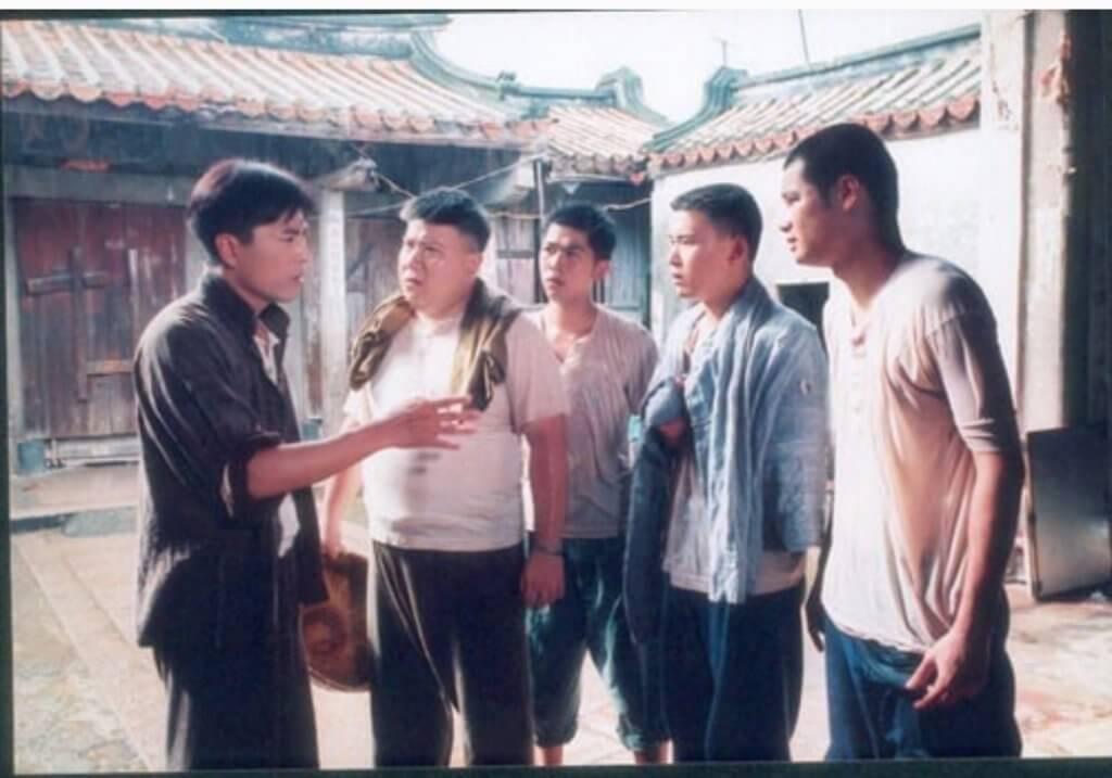 九七年在亞視拍攝劇集《我來自潮州》,演員還有陳庭威、劉錫賢等。