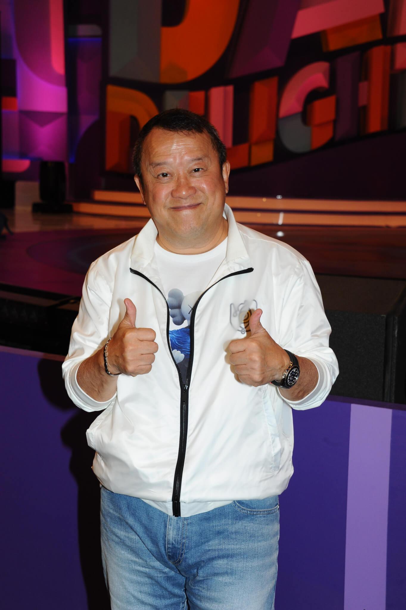 曾志偉沒想過《開心大綜藝》及ViuTV的《口罩小姐選舉》的收視誰勝誰負,只專注做好節目口碑。(明報圖片)