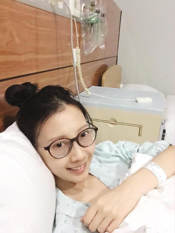 李明蔚於2012年患上罕見的鼻咽腺樣囊性癌,已經歷數十次電療、化療。